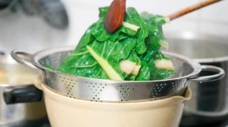 Beberapa kiat agar masak sayur supaya gizinya tidak hilang