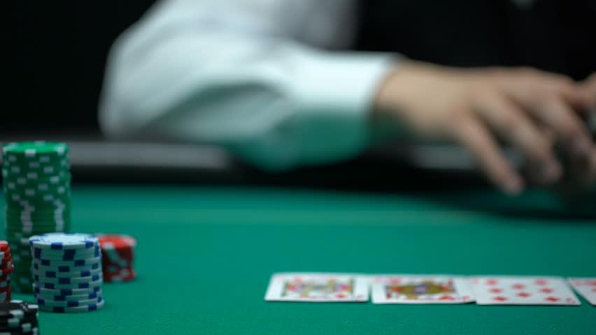 Rutinitas Bermain Menjadi Alasan Kemenangan Dalam Poker Online